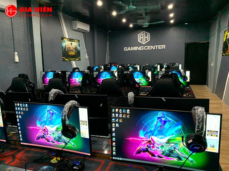 Không gian phòng game được trang trí với tông màu Xám chủ đạo